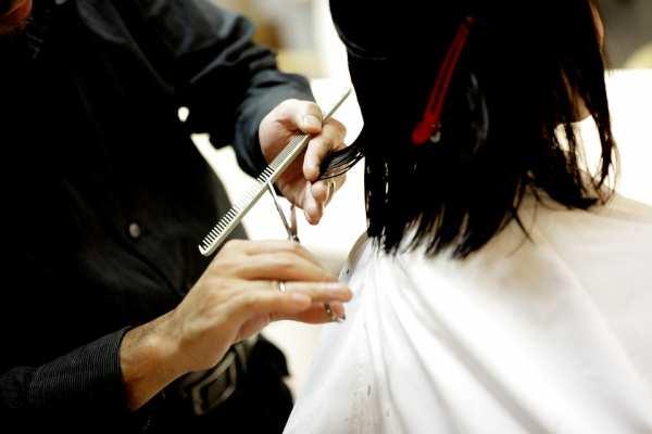 Cabeleireiros / Barbeiros