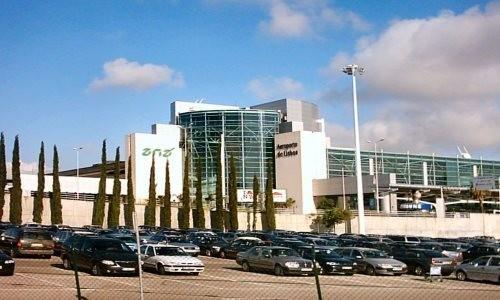 https://www.portugalplease.com/uploads/imagens/800px-aeroporto_de_lisboa_1_.jpg