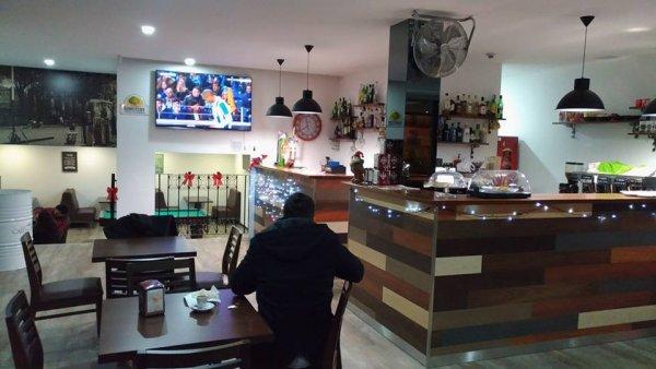 CAFÉ NA PRAÇA 3