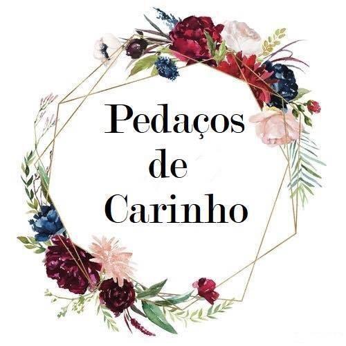 PEDAÇOS DE CARINHO