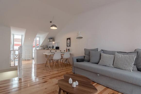 +New+ Penthouse Bairro Alto: light+ space+ terrace