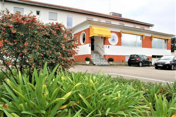 Hotel Padre Cruz **
